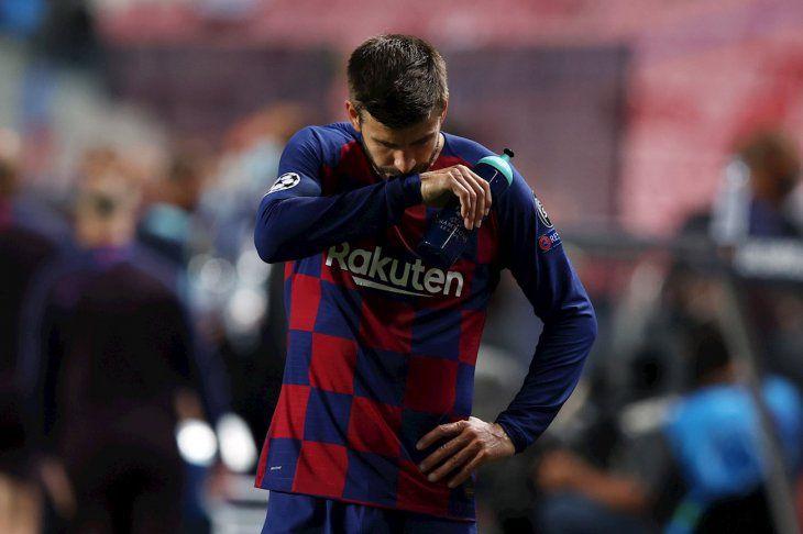 """Piqué: """"Es una vergüenza, el club necesita cambios estructurales"""""""